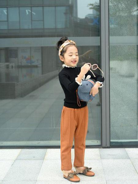可米芽童装品牌2020春夏新款纯色蕾丝气质上衣