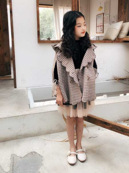 七克拉童装品牌2020春夏简约格子马甲