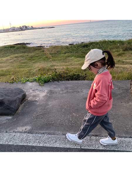 迷你旦童装品牌2020春夏加厚保暖外套韩版羊羔毛洋气百搭小宝宝棒球服