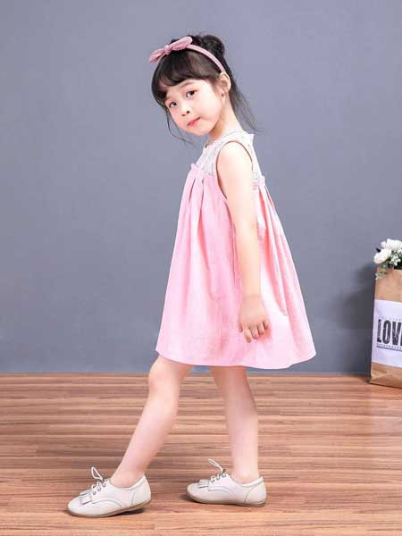 宠来宠趣童装品牌2020春夏女童宽松短款裙子