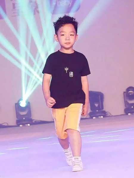 创优品童装童装品牌2020春夏纯棉男童套装