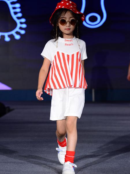 西萌叮童装品牌2020春夏条纹套装