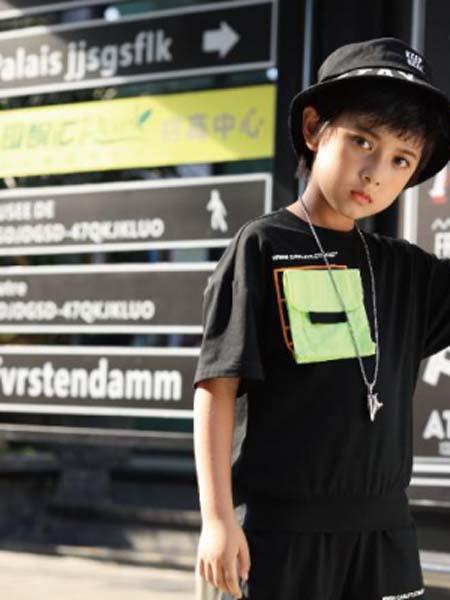 卡儿菲特童装品牌2020春夏黑T恤