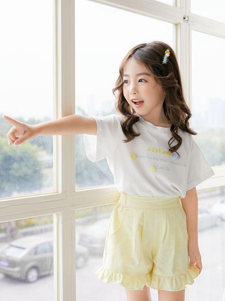 拉斐贝贝童装品牌2020春夏白色T恤黄色短裤