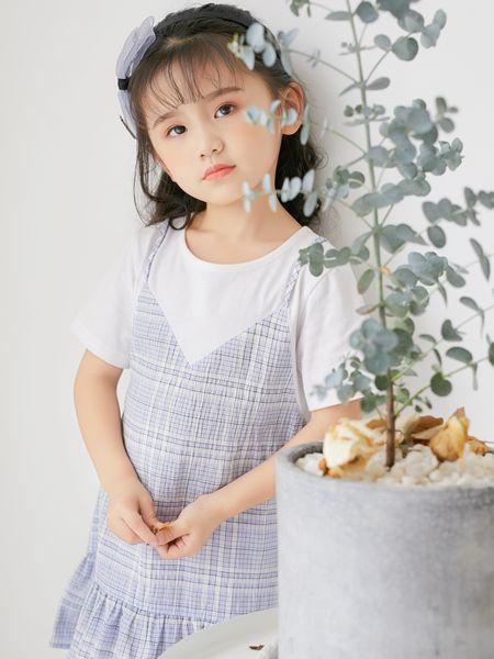 拉斐贝贝童装品牌2020春夏吊带条纹连衣裙
