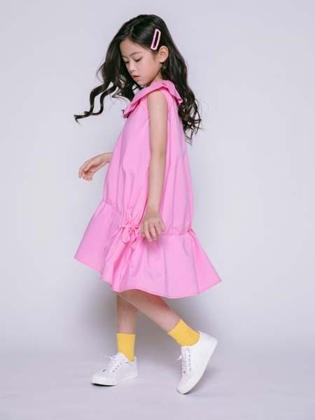 彩色笔童装品牌2020春夏粉色连衣裙