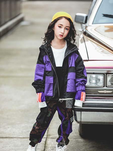 维尼叮当童装品牌2020春夏外套
