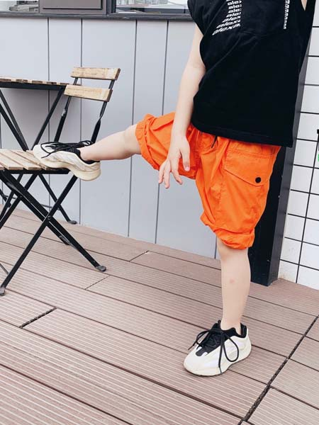 拉酷儿童装品牌2020春夏橙色短裤