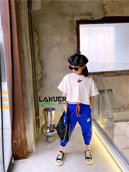 地摊货源哪里找?推荐拉酷儿童装品牌