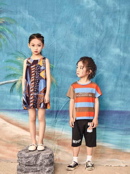 寵來寵趣童裝品牌2020春夏黃藍紋T恤