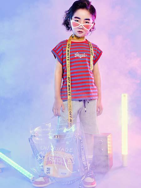 寵來寵趣童裝品牌2020春夏條紋紅藍T恤