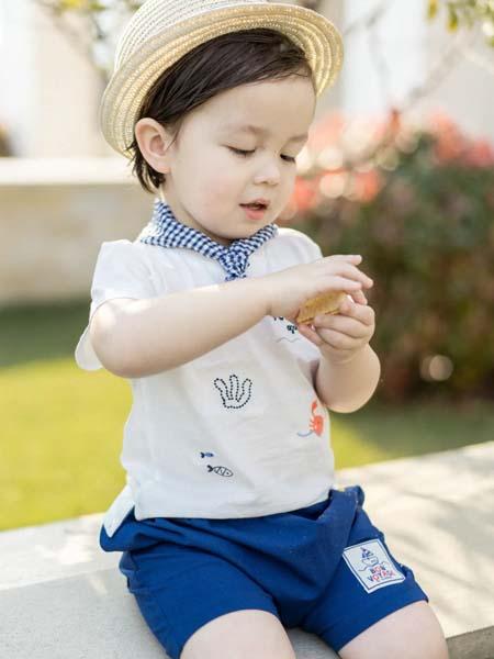 阿卡邦童装品牌2020春夏白色T恤蓝色短裤