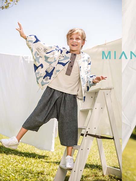 棉绘童装品牌2020春夏宽松外套蓝色纹