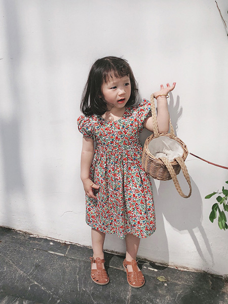 酷君童装品牌2020春夏小心机露背交叉碎花裙儿童洋气田园风短袖连衣裙