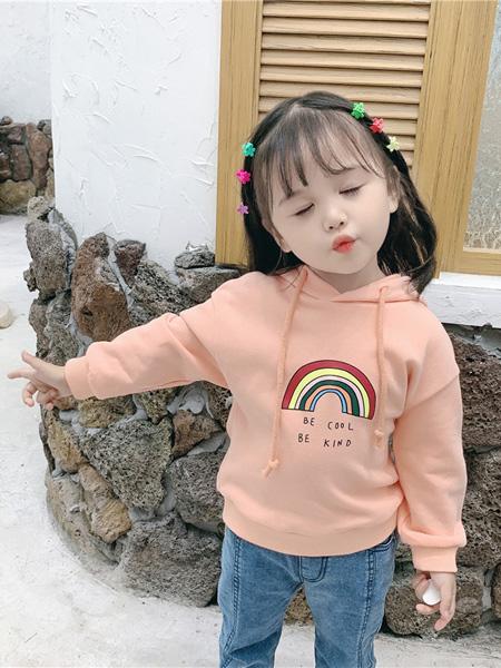 蒋平华童装品牌2020春夏韩版宝宝长袖套头衫中小童印花彩虹卫衣