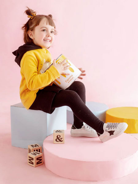 M1&M2童鞋品牌�d�真皮�K�K鞋加倍�N心的舒�m感 ��d真皮 耐磨小白鞋