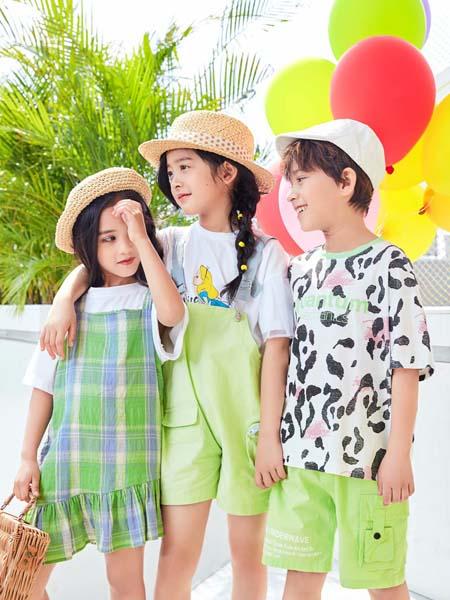 小孩子每个季节都会买衣服,重复性消费比较高