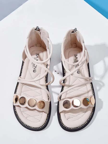 宝贝传奇童装品牌   已成为儿童中高端鞋、服市场中的品牌