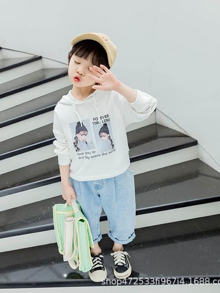 阿宝呗呗童装品牌2020春夏新款童装韩版女童卫衣儿童套头兜帽白粉色灯笼袖卫衣上衣