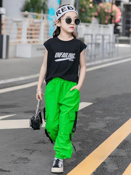哥哥咪呀童装品牌2020春夏童装套装新款夏款儿童韩版无袖上衣工装裤两件套中大童套装潮