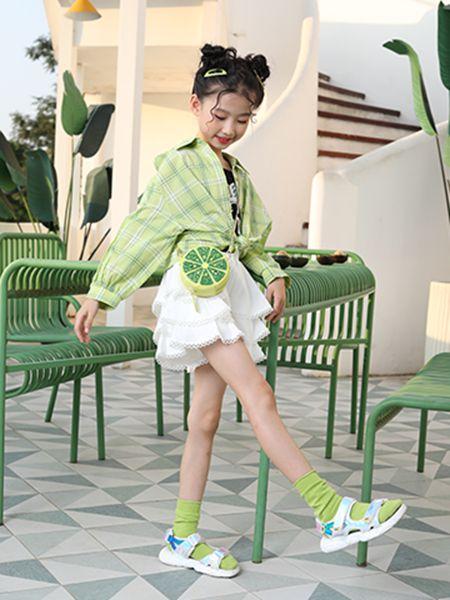卡儿菲特童装品牌2020春夏大格纹外套薄款