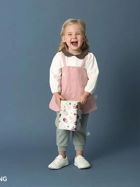 卡拉贝熊童装品牌2020春夏粉色假裙上衣
