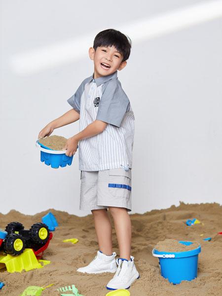 宝贝传奇童装品牌2020春夏灰色袖子竖纹T恤短裤