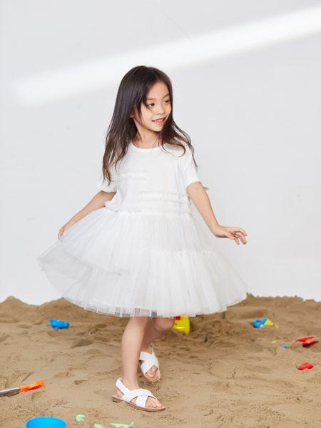 宝贝传奇童装品牌  定期举行产品评审及订货会
