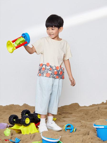 宝贝传奇童装品牌  提供有效的市场分析供加盟商参考