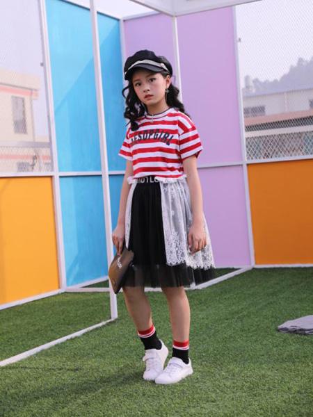 小嗨皮童装品牌2020春夏红色条纹T恤