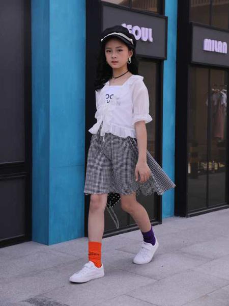 小嗨皮童装品牌2020春夏薄款网纱外套格纹短裙