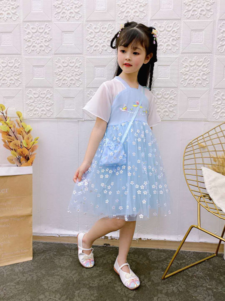 小嗨皮童装品牌2020春夏碎花蓝色连衣裙