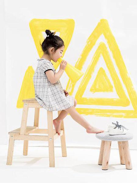 小瞳象童装品牌2020春夏大格纹连衣裙短款