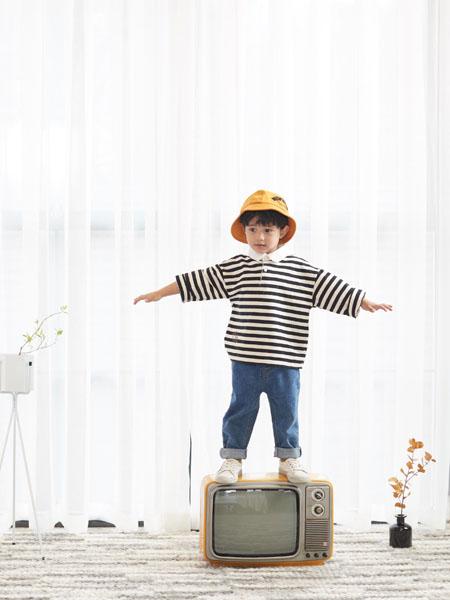 小瞳象童装品牌2020春夏横纹黑白T恤