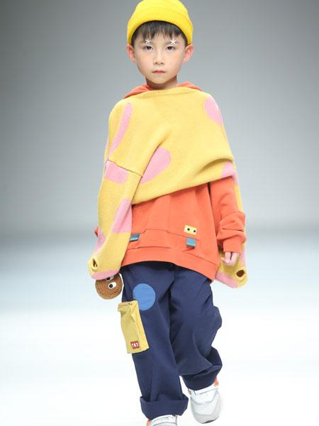 豆丁超人童装品牌2020秋冬橙色卫衣