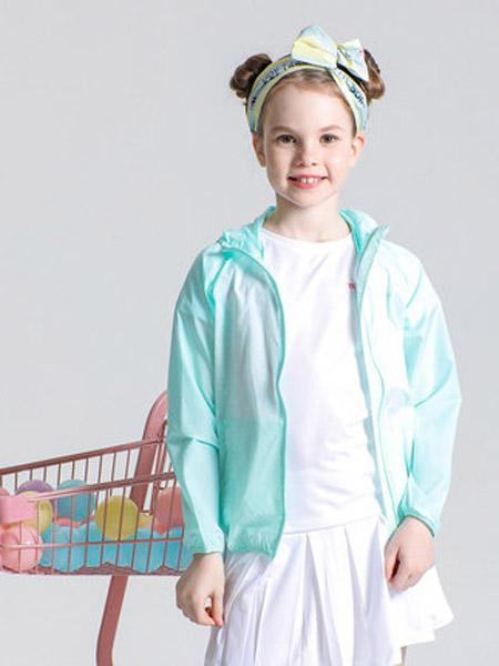 探路者童装童装品牌2020春夏户外女童超轻透气皮肤风衣