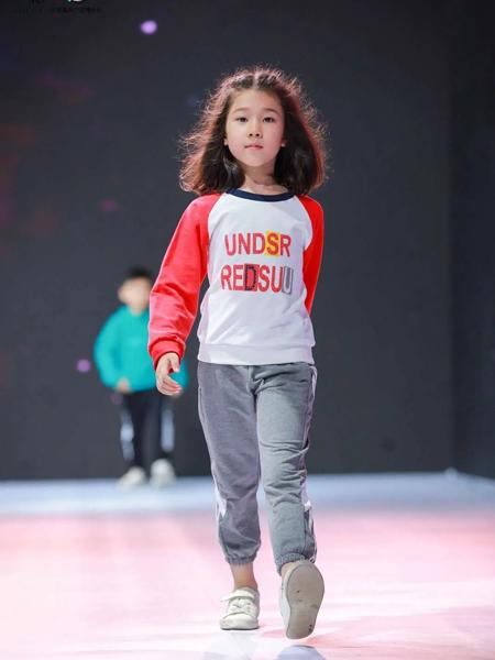 Vakalaka哇咔啦咔童装品牌2020春夏纯棉圆领卫衣