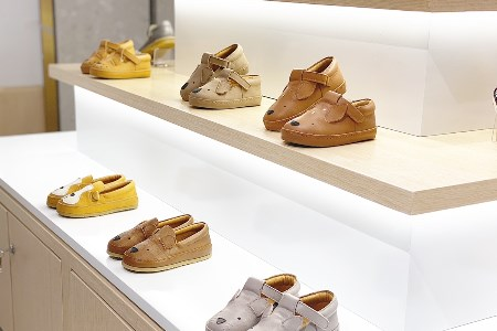 ALA COFLY全球�M口童鞋集合店