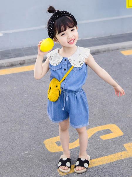 东楠童装品牌2020春夏童装新款套装 中小童娃娃领无袖背心牛仔短裤两件套