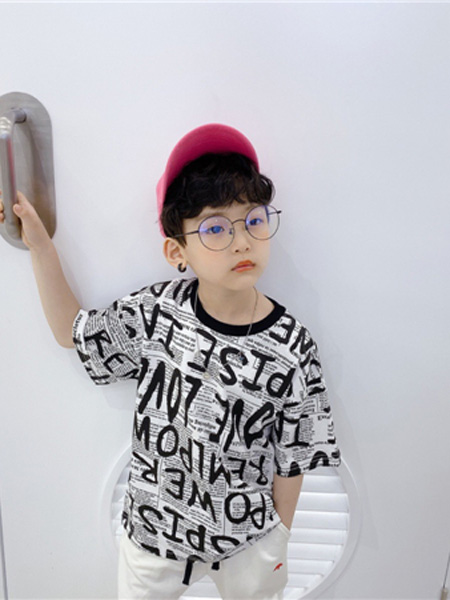 AoAoMao童装品牌2020春夏字母黑色灰色T恤