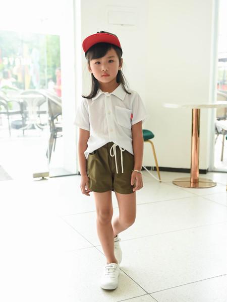 首系童装品牌2020春夏纯白衬衫短袖