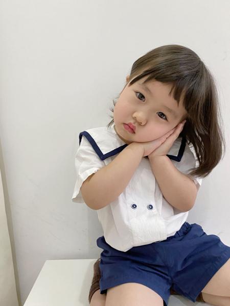 YY童装品牌2020春夏荷叶领白色衬衫