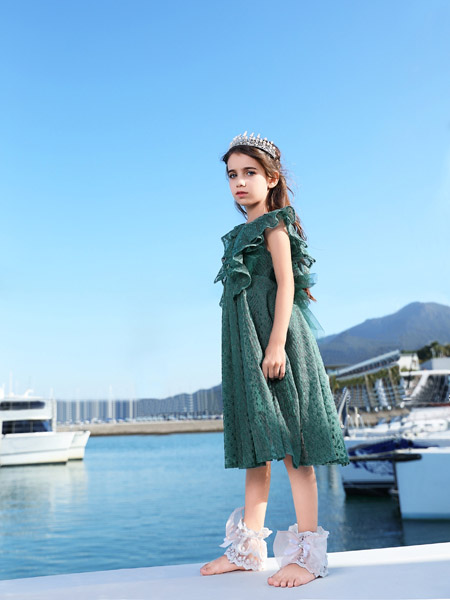 小象Q比童装品牌2020春夏无袖青色连衣裙