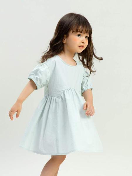 昕季雨童装品牌2020春夏圆领浅绿色连衣裙