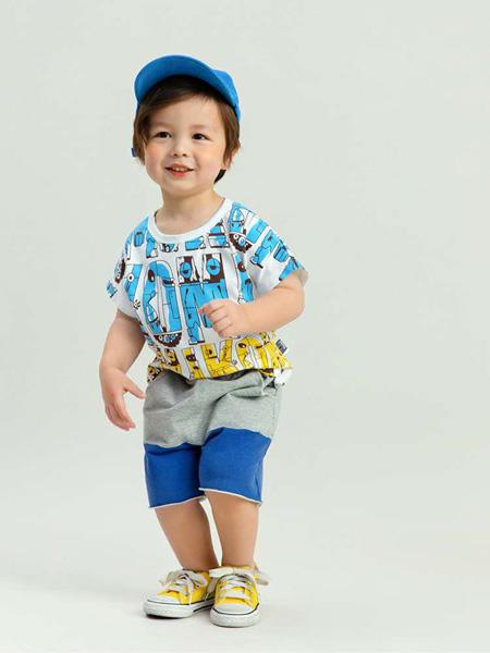 昕季雨童装品牌2020春夏蓝色字母白T恤