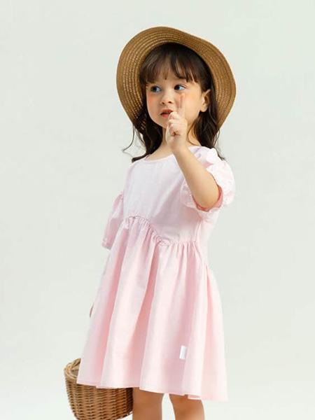 昕季雨童装品牌2020春夏圆领粉色连衣裙