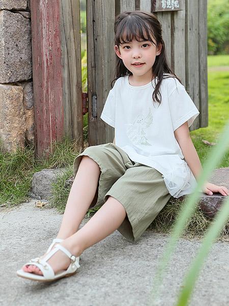 米兰达童装品牌2020春夏圆领白色T恤青色短裤