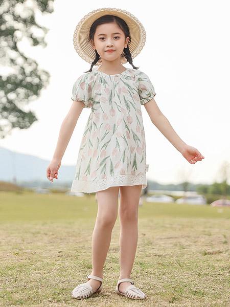 米兰达童装品牌2020春夏白底花朵图案印花连衣裙