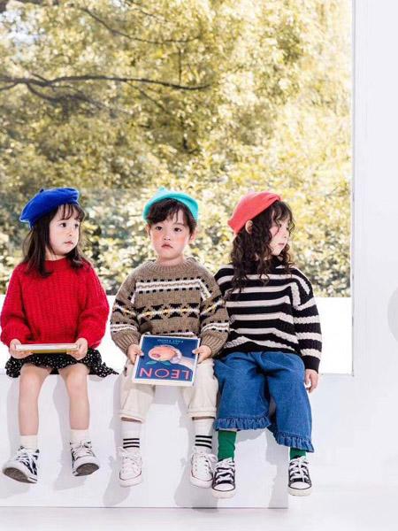魔方童装品牌2020秋冬大红色毛衣