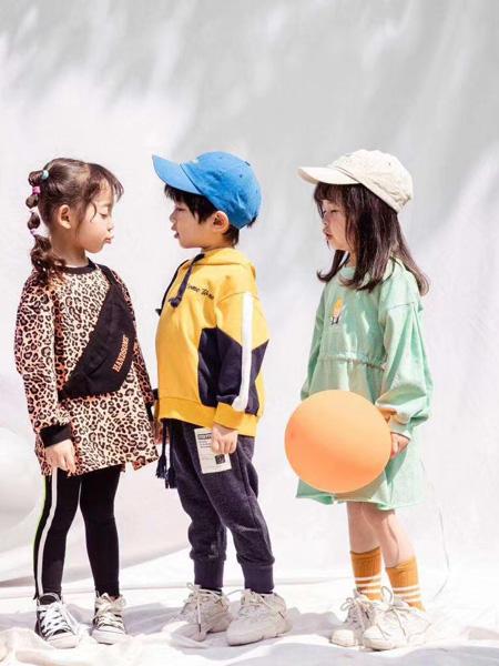 魔方童装品牌2020秋冬斑纹豹纹上衣保暖